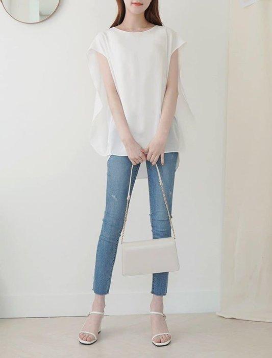 美麗喵。現貨。韓國 遮手臂設計 飄逸造型 雪紡上衣