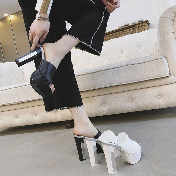 『P.M❤SHOP』2020新款夏高跟鞋防水台粗跟超高跟厚底女拖鞋涼拖鞋一字型(白色 黑色)33-39碼