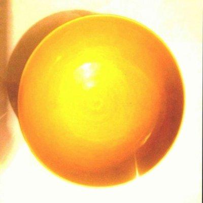 [聚寶軒] 古瓷 素三彩 黃地暗八仙圈足碗 款:大清乾隆年製品相如圖 尺寸約: 14.9 * 14.4 * 6 公分