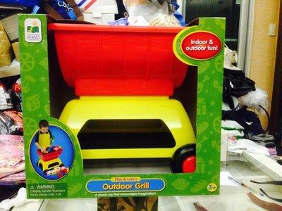 Costco 好市多 兒童遊戲烤肉爐(含烤肉夾+肉片+香腸+醬料罐等12樣遊戲小道具)底部輪子可推拉 特價:600元