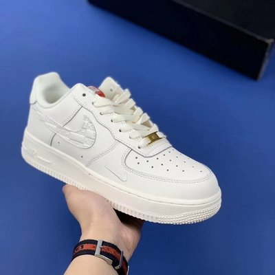 NIKE AIR FORCE 1 KITH LOW 07 UNIVERSITY GOLD 全白 板鞋 男女鞋 慢跑鞋