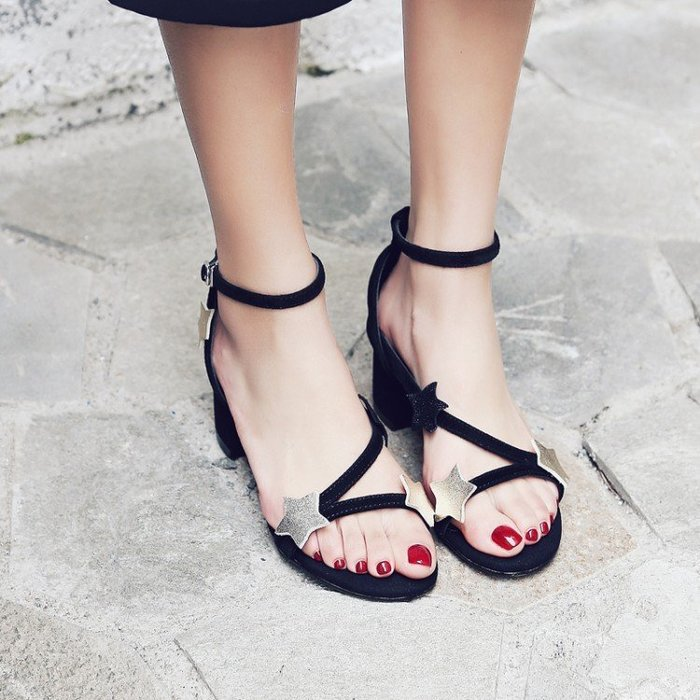 Hot shop 2017初夏新款真皮星星粗跟中跟涼鞋  包跟羅馬鞋