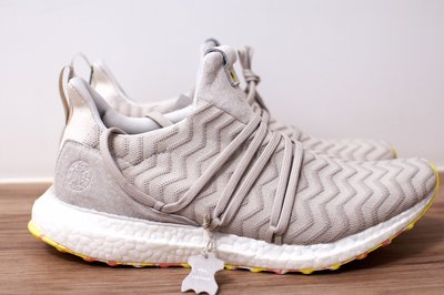 Adidas ultraboost akog us8.5 a kind of guise 聯名款