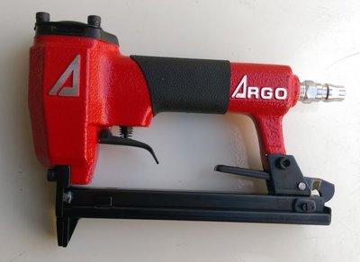 (木工工具店)三角牌 ARGO~J1013釘槍/沙發、傢俱等製造沙發椅及皮革裝釘