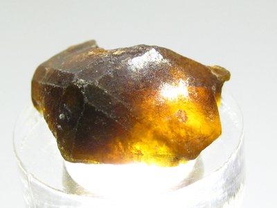 【Texture & Nobleness 低調與奢華】精品礦 原礦 標本 礦石 原石 - 鈣鋁榴石(綠榴石)