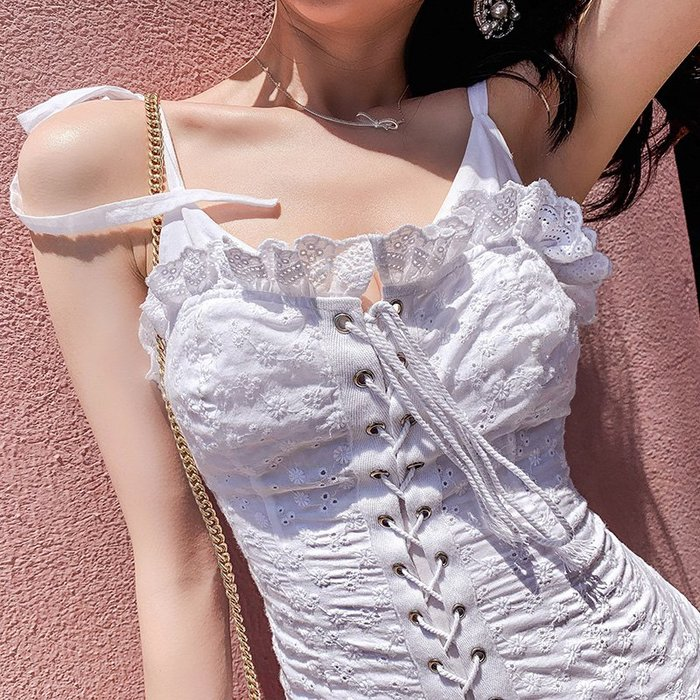 《巴黎拜金女》白色連衣裙ins夏V領肩帶蝴蝶結假兩件性感吊帶裙子