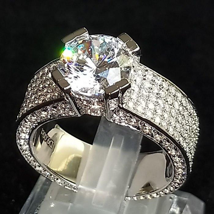 最新豪門3克拉鑽戒霸氣滿天星 925純銀鍍鉑金指環 鑲嵌高碳鑽男士戒指 精工超寬版滿鑽戒高碳仿真鑽石 莫桑石 ZB鑽寶
