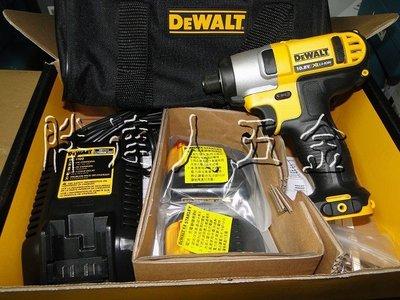 胖達人五金 DEWALT  DCF815 買一送三 得偉 鋰電 10.8V MAX12V 衝擊 起子機 非 DCF885