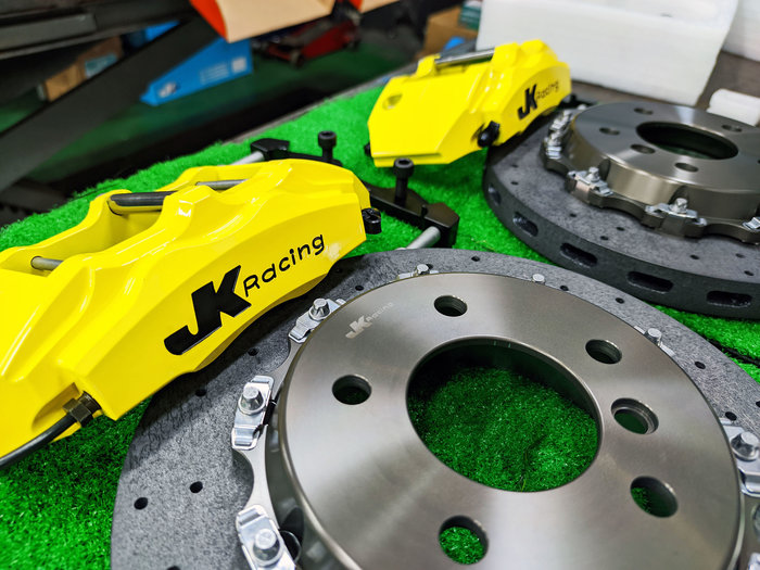 JK Racing 後 SS1四活塞卡鉗組 搭配302mm 碳纖維陶瓷碟盤 另可搭配 劃線碟盤 BMW F87 120i