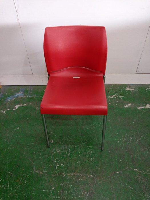 二手家具全省估價(大台北冠均 新五店)二手貨中心--簡約設計紅色餐椅 洽談椅 會議椅 書桌椅 C-0011605