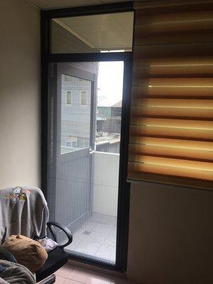 大台中大門專用-折疊紗門、摺疊紗窗、隱藏紗門、百折紗門