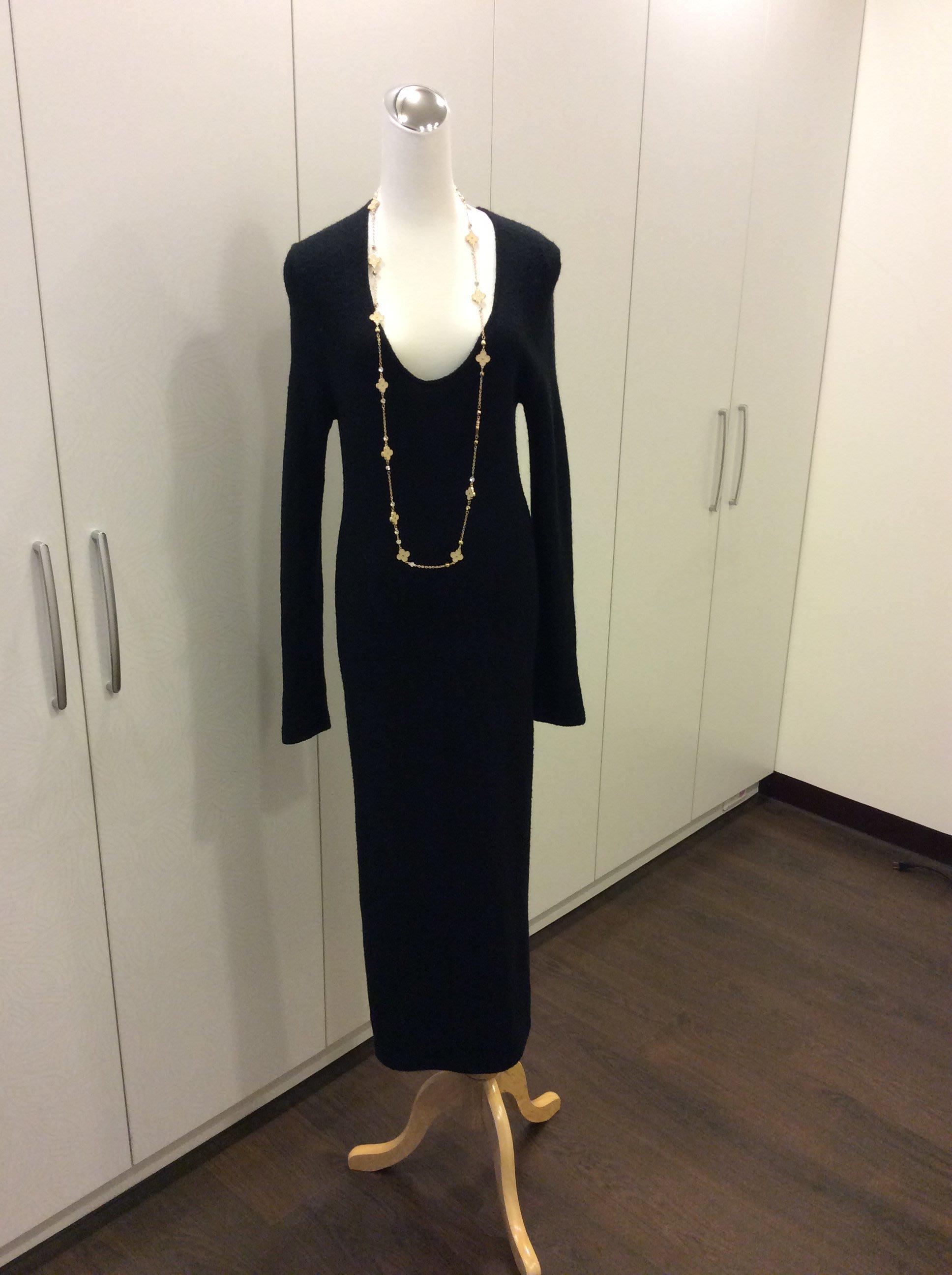 選對單品就時尚❤️黑色毛料合身性感長洋裝❤️粗針個性短洋裝❤️寶藍色毛海長版上衣❤️黑色兩件式長版上衣❤️Mango厚質感造型洋裝