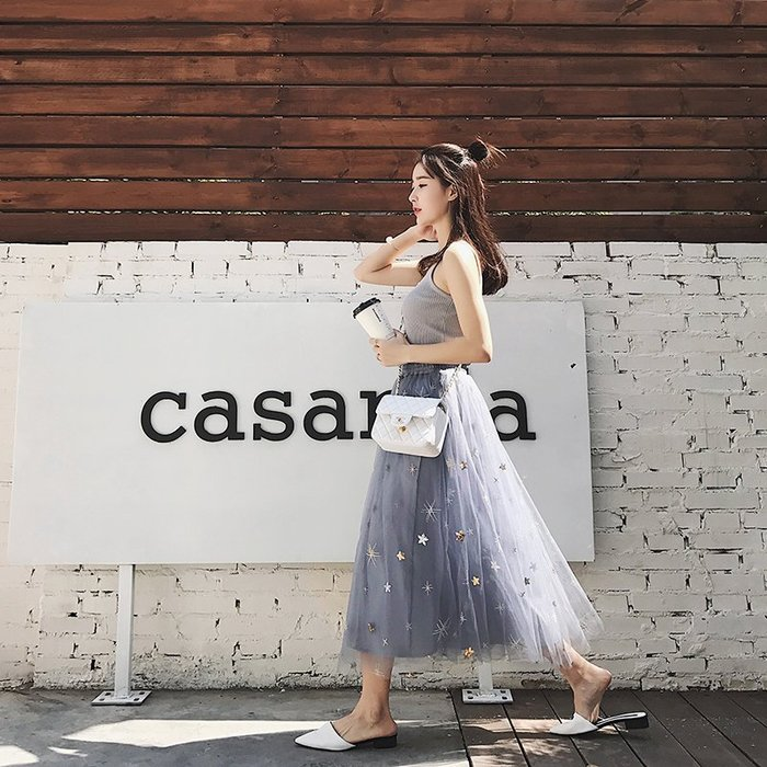 【17LOVE】熱銷現貨 巴黎浪漫 透膚 優雅飄逸 刺繡亮片星星 仙氣十足半身紗裙 圓裙 搭配襯衫ZARA 黑白藍灰正韓