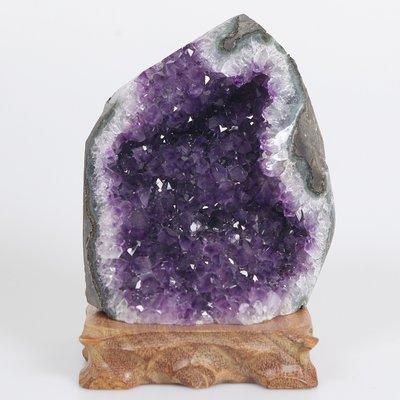 嚴選烏拉圭紫晶鎮~1617g(附底座)