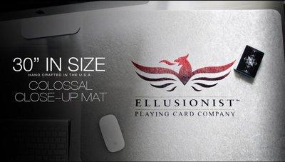 【USPCC撲克】Ellusion Colossal Luxury Close-Up Mat 牌墊71*50.5cm