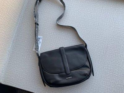 美國 Samsonite 黑色皮革 單扣型 斜咩袋 ($350 包順豐)