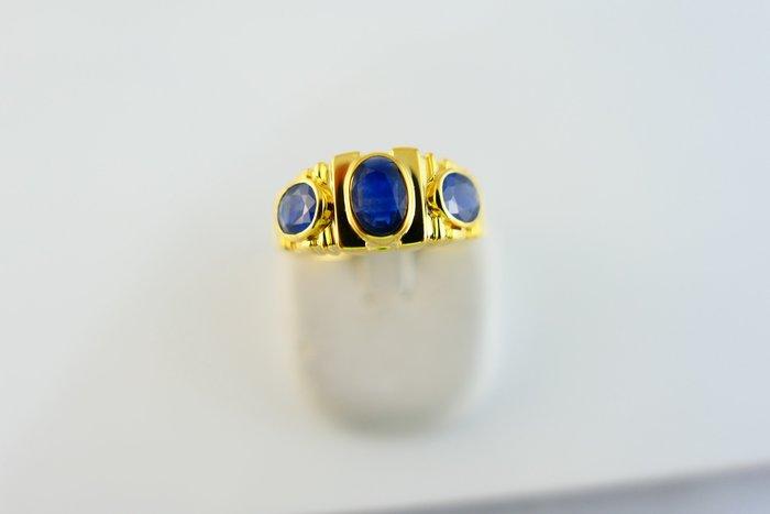 [吉宏精品交流中心]3P 天然藍寶石 黃K金 造型 戒指 男戒