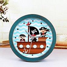【四季居家用品】卡通可愛小海盜 復古做舊田園木頭鬧鐘 創意桌面座時鐘表 床頭鐘