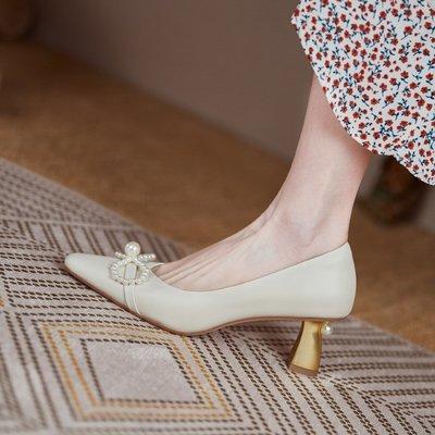 韓國時尚女鞋舘法式高跟鞋女2021年新款白色珍珠小眾真皮優雅尖頭單鞋小跟伴娘鞋