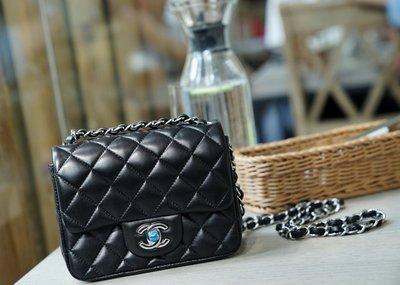 Chanel A35200 Flap Mini Coco 包 小羊皮 17 cm 黑銀鍊