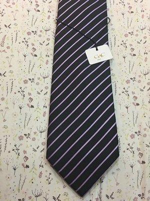 。☆全新☆。GAC 領帶//黑底紫斜條紋