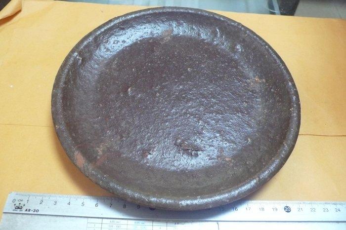 紫色小館89-------日治紅土上釉陶盤