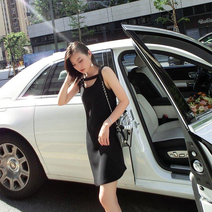 《巴黎拜金女》時髦性感時尚修身露肩連衣裙氣質高腰顯瘦a字裙
