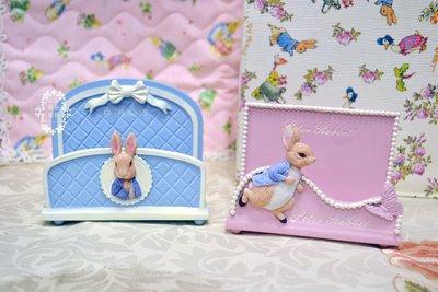 彼得兔系列 波麗兔子名片座手機座 粉紅/藍色 經典菱格紋蝴蝶結珍珠便條紙座 裝飾擺飾開店開幕送禮交換禮物【【歐舍家飾】】