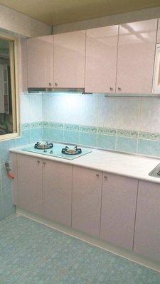 廚具流理台 卉誠廚具:美耐枱面,美耐門板含三機 ~ 完工價 $32800