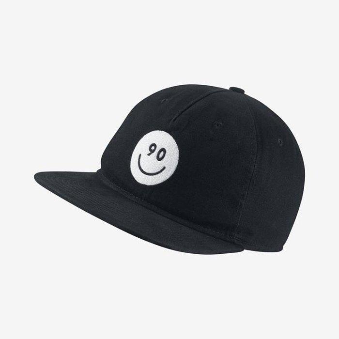 CodE  NIKE S+ SUMMER PRO SNAPBACK 笑臉電繡棒球帽(黑白) 6a8e7374f693