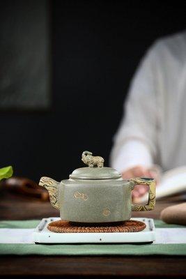 中國宜興紫砂壺~四方祥瑞/綠泥加絞泥