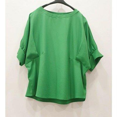 正韓??【U-Bland】簡約圓領寬鬆蝙蝠袖雪紡上衣 ~ 綠色造型壓摺抓皺寬袖雪紡上衣 ~ 五分袖雪紡上衣