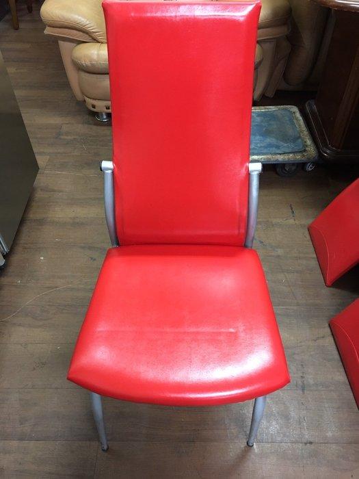 城市二手家具*大紅色皮革餐椅*洽談椅-接待椅-麻將椅-辦公椅-電腦椅-休閒椅-美甲椅-工業風-皮革椅-台中二手