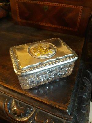 疫情拍賣》英國古董水晶玻璃小盒