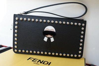 Fendi 8M0341 Karlito Flat Stud-Trim Pouch Bag 小型摩摩手包 黑