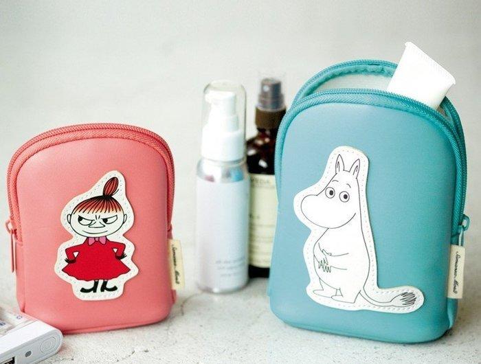 [瑞絲小舖]~日雜附錄MOOMIN ×Samansa Mos2慕敏家族收納包(2入組) 化妝包  收納袋 萬用包 小物包