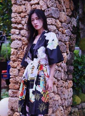 【黑店】日式和風浮世繪中長版睡袍 寬鬆綁帶睡袍 個性穿搭 復古穿搭仿真絲短袖浴衣 男女同款情侶裝ZY129