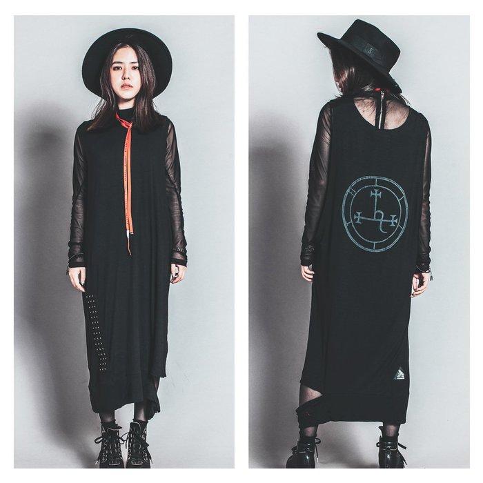 美國東村【Slightly Numb】TROPHY DRESS 兩件式 背心 洋裝 (內附繞脖平口小可愛)