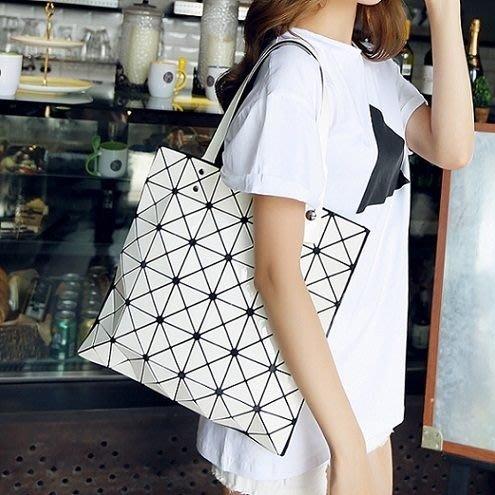 (全館一件免運費)幾何菱格鏈條單肩 斜跨包 (M-720)