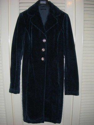 全新義大利進口製造SISLEY天鵝絨細條紋路顯瘦保暖長大衣(有綠色和藍色)