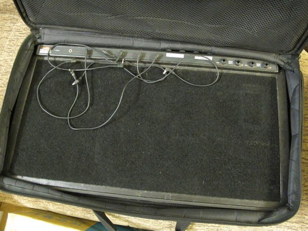☆ 唐尼樂器︵☆二手 SKB PS-25 電吉他/ Bass 電貝斯供電效果器板/袋(內建電源供應器)
