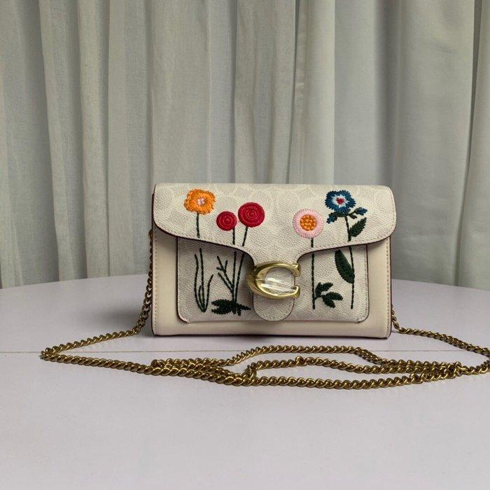 【小黛西歐美代購】COACH 806 新款女士花朵鏈條手拿包 鏈條包 單肩斜挎包 美國代購