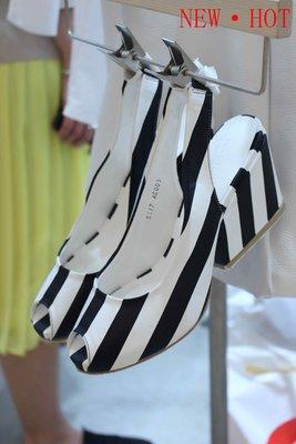 ♥出清 可純超取♥ 高級手工鞋 時尚黑白粗條紋厚底粗跟涼鞋(37.5現貨) 正韓