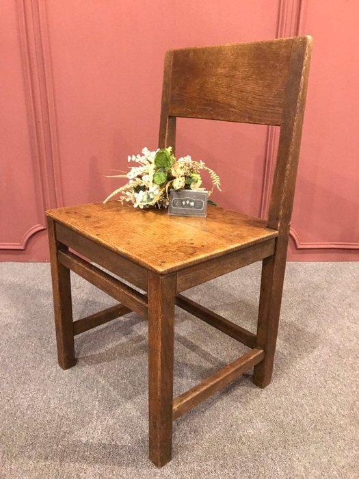 【卡卡頌 歐洲跳蚤市場/歐洲古董】德國老件 橡木實木 手工老椅  餐椅  書桌椅  骨董椅ch0347