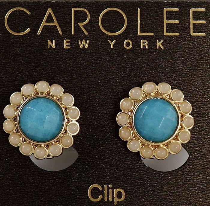 全新美國帶回 CAROLEE 超立體可愛小花夾式耳環,很醒目喔!附原廠防塵袋與禮盒,只有一件!低價起標無底價!免運費!
