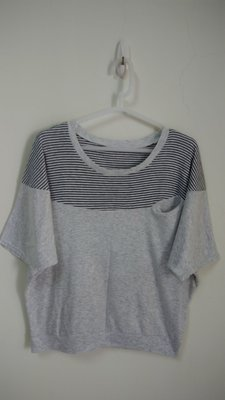 小楊二手衣^^ 條紋純棉造型短袖上衣