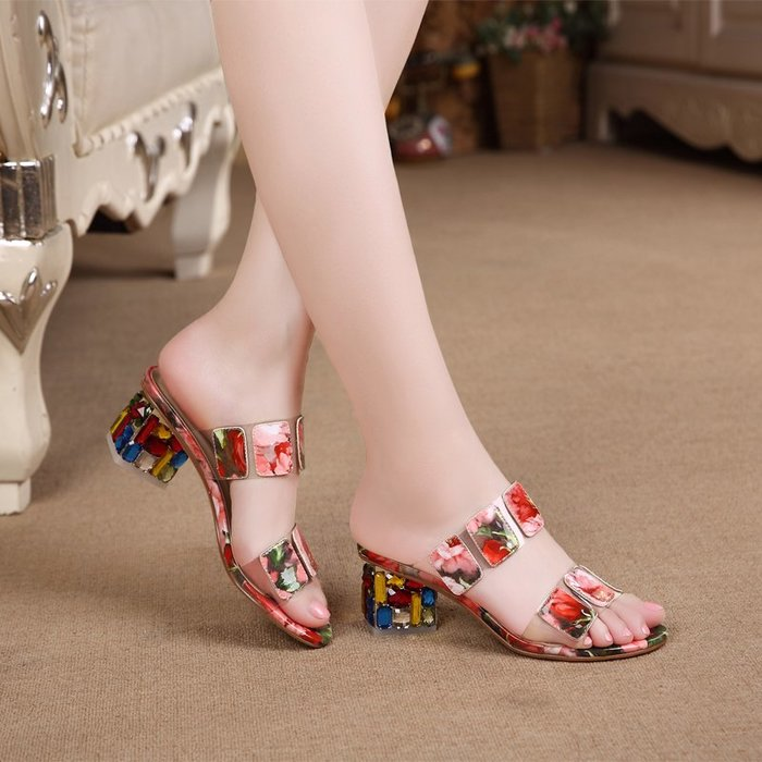『P.M❤SHOP』2020新款夏涼拖鞋韓版水鑽跟涼拖女一字型花皮中跟外穿女涼鞋潮(花色)33-42碼