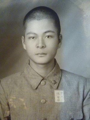 191210~日據時期~台南二中學生!!陳燦坤~學生照~相關特殊(一律免運費---只有一張)老照片