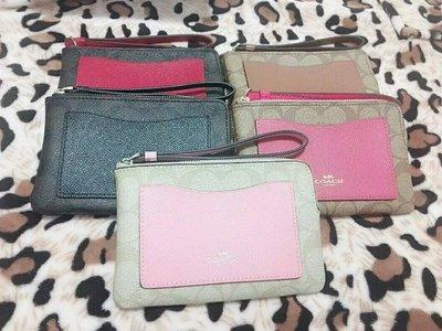 我愛名牌COACH包· 美國100%正品【清倉低價出售購買兩件免運】22713新款手拿包 卡包 零錢包 手腕包