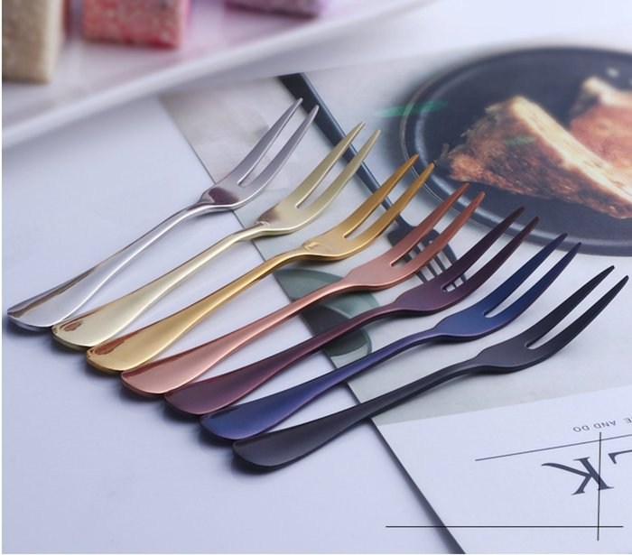 (10入650元) 時尚餐具 彩色 304不銹鋼 兩齒水果叉 蛋糕甜點叉 咖啡廳 餐廳 民宿 環保餐具 禮品批發